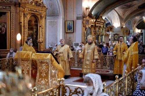 В День Всех Святых епископ Фома совершил Божественную литургию в Елоховском кафедральном соборе