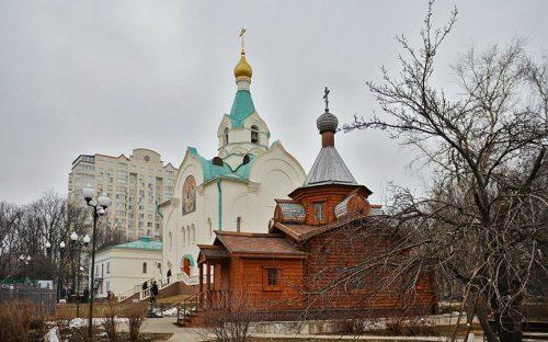 Состоялась третья лекция из цикла «Трезвый вечер» в храме святителя Иова Патриарха Московского и всея Руси