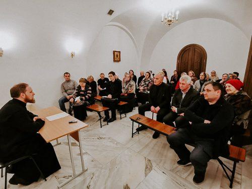 В храме преподобного Сергия Радонежского в Солнцеве прошли курсы для работников свечных ящиков