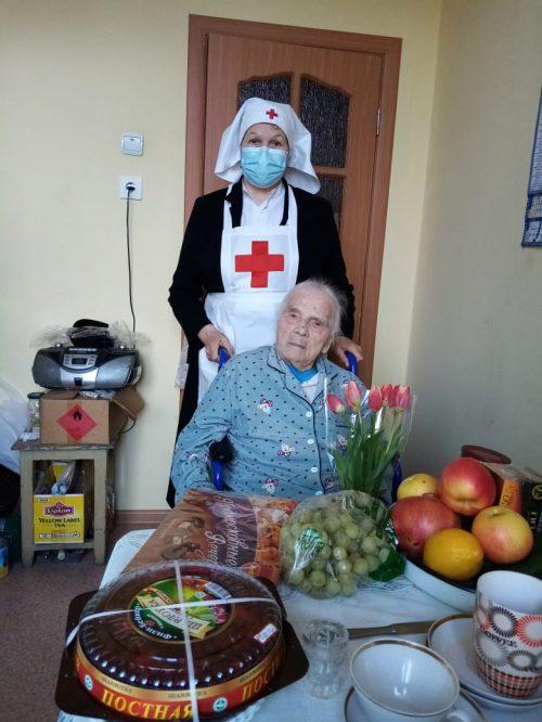 Во время Великого поста соцслужба «Милосердие» храма Рождества Богородицы в Крылатском навещает пожилых прихожан