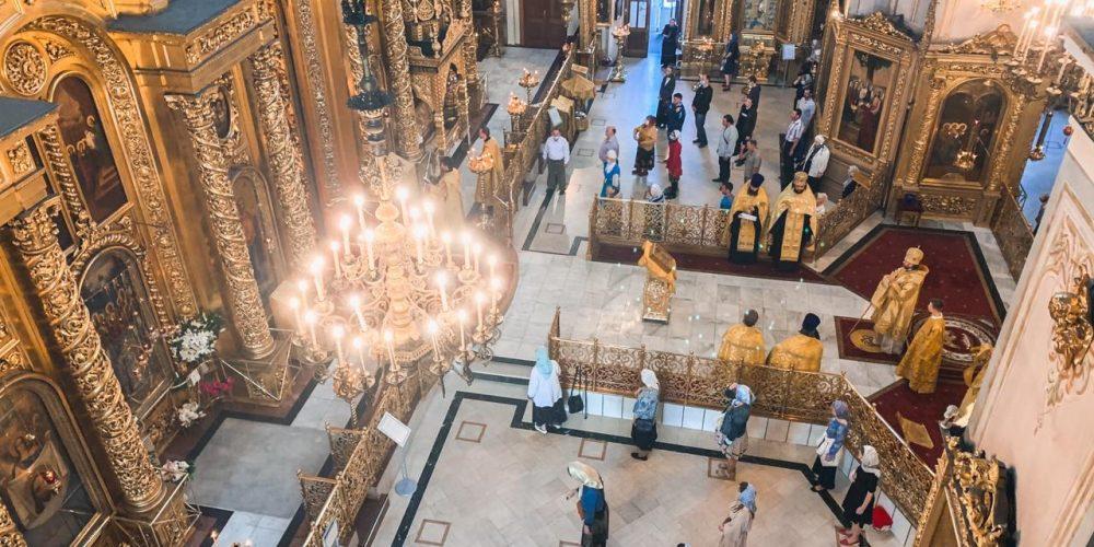 Епископ Фома совершил всенощное бдение в Елоховском кафедральном соборе