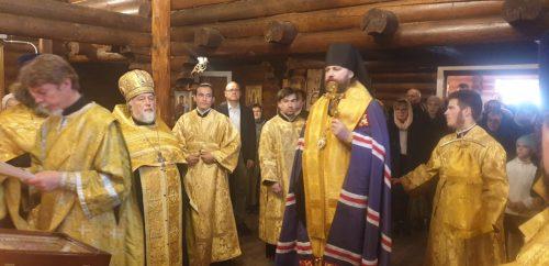 Епископ Фома совершил освящение строящегося храма Трех Святителей на Мосфильмовской улице (+ фото)