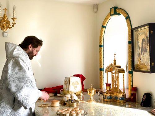 В Лазареву субботу епископ Фома совершил Божественную литургию в Переделкино