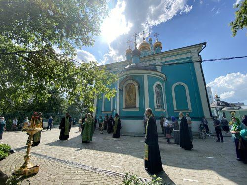 Епископ Фома совершил панихиду на могиле протоиерея Георгия Бреева в Крылатском