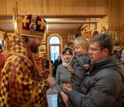 Епископ Фома возглавил престольный праздник в храме великомученика Георгия Победоносца при МЧС (+ фото)