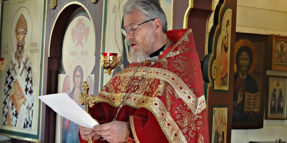 В День трезвости в храме Смоленской иконы Божией Матери совершили молебен об исцелении страждущих недугом пьянства