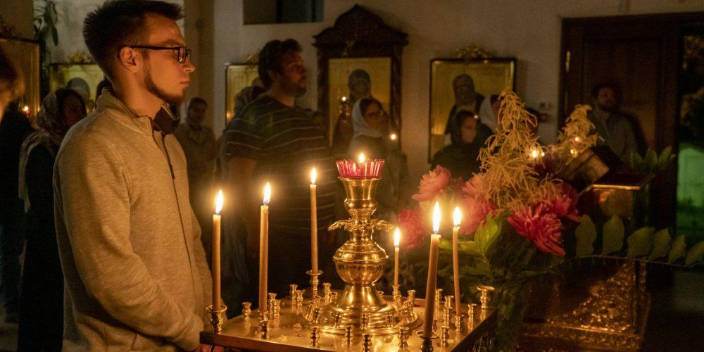 Православная молодёжь из приходов районов Солнцево, Ново-Переделкино, Внуково собралась для совместной молитвы и обсуждения новых проектов и планов