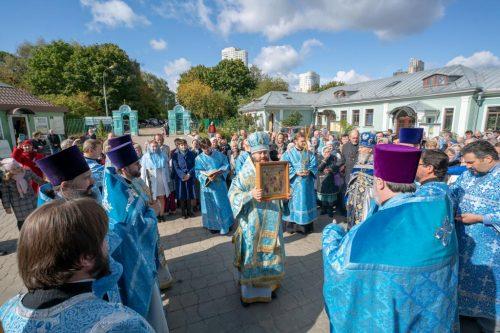 Божественная литургия в праздник Рождества Богородицы в Крылатском. 21 сентября 2019. ВИДЕО