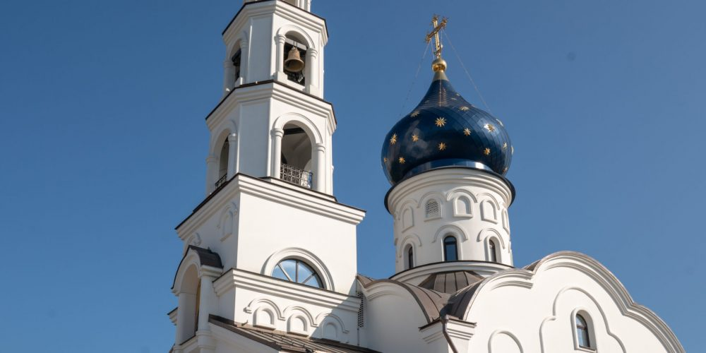 В храме Смоленской иконы Божией Матери в Фили-Давыдково совершен чин малого освящения