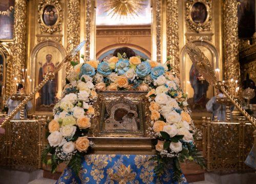 Епископ Павлово-Посадский Фома возглавил Всенощное бдение в Богоявленском соборе в канун праздника Казанской иконы Божией Матери