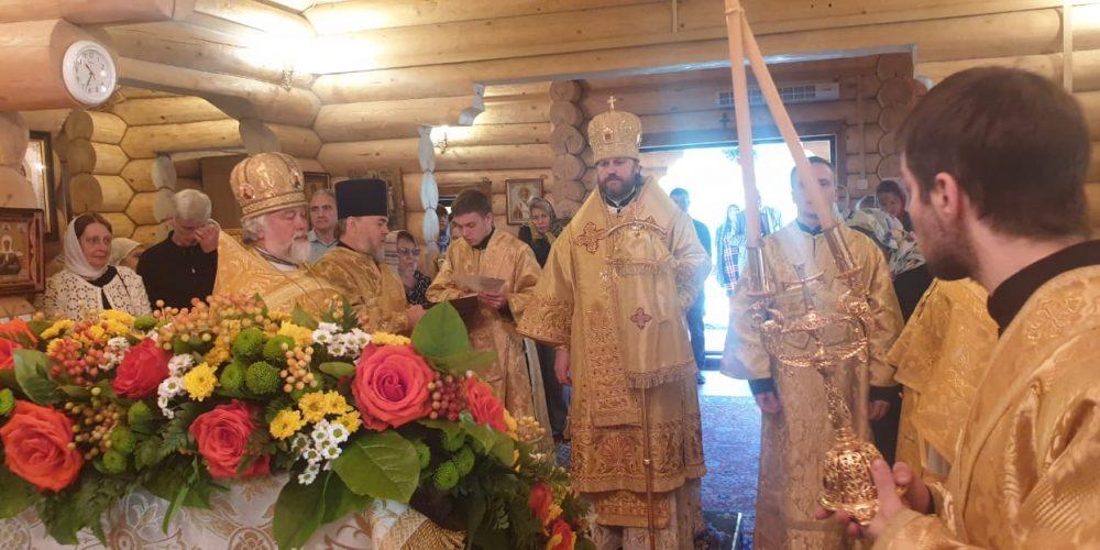 Епископ Фома возглавил престольный праздник в храме равноапостольной княгини Ольги в Солнцеве (+ фото)