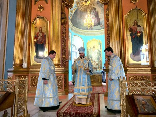 Епископ Фома совершил всенощное бдение в храме Никиты Мученика в Старой Басманной слободе
