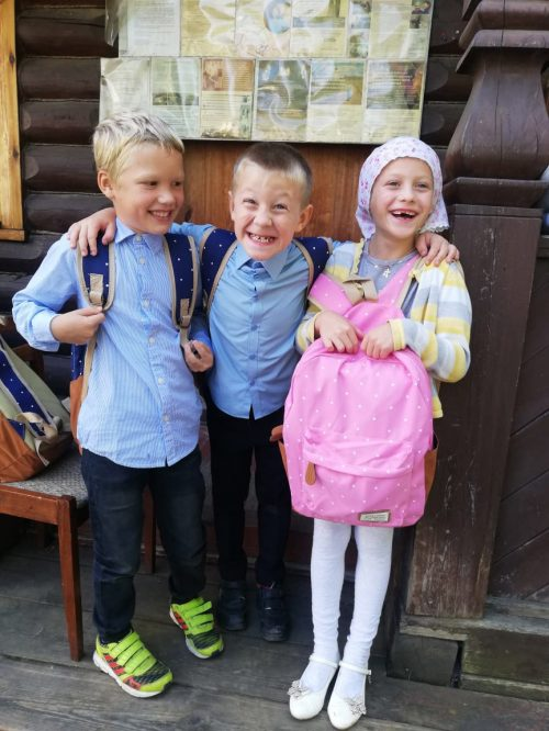 В храмах Западного викариатства завершилась акция «Соберем ребенка в школу»