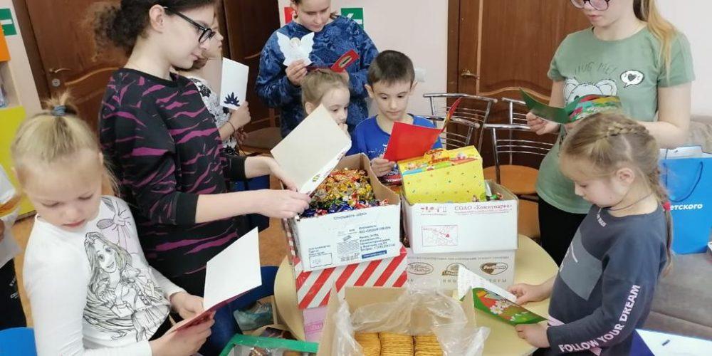 В храме Смоленской иконы Божией Матери поздравили солдат МЧС с праздником