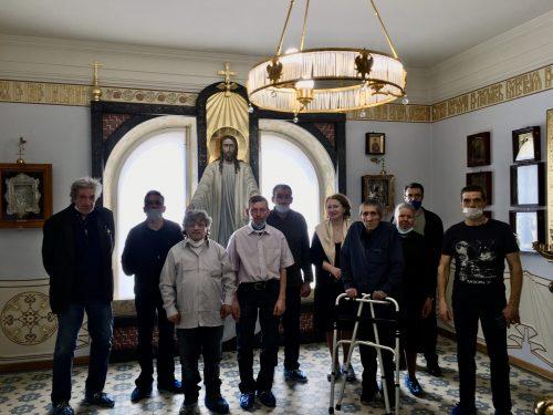 Храм прп. Андрея Рублева организовал экскурсию для подопечных из приюта для бездомных в Марфо-Мариинскую обитель