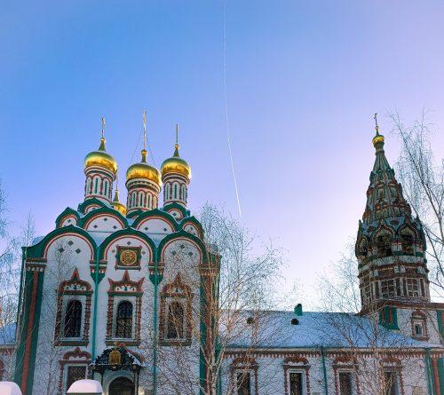 Епископ Павлово-Посадский Фома совершил Божественную литургию в храме свт. Николая в Хамовниках