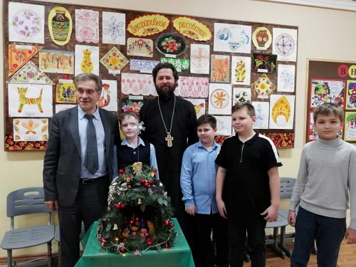 Рождественский вертеп от «Школы №97» — храму в честь Смоленской иконы Божией Матери в Фили-Давыдкове