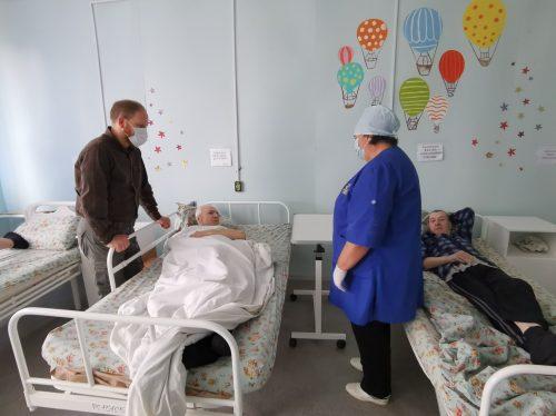 Волонтеры храмов преподобного Сергия Радонежского в Солнцево и Благовещения в Федосьино посетили хоспис в Тверской области