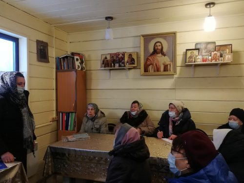 В храме Смоленской иконы Божией Матери в Фили-Давыдково состоялась очередная встреча в поэтическом клубе