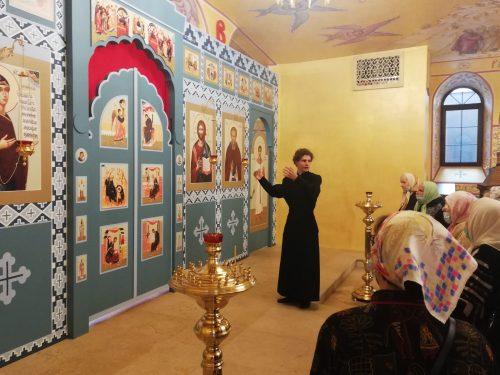 Для прихожан храма Смоленской иконы Божией Матери провели экскурсию