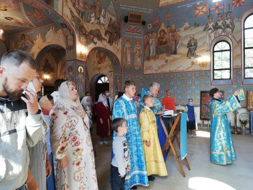 Молебен на начало учебного года отслужили в храме Смоленской иконы Божией Матери