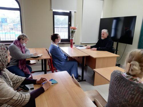 В храме Смоленской иконы Божией Матери провели собрание преподавателей воскресной школы
