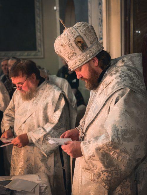 Епископ Палово-Посадский Фома совершил богослужение Родительской субботы