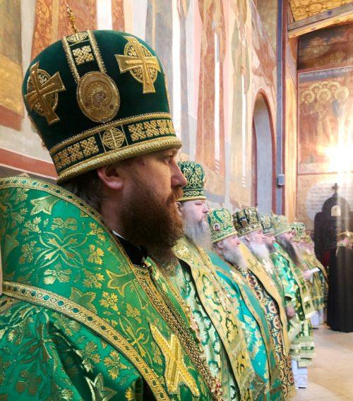 В день памяти преподобного Сергия Радонежского епископ Павлово-Посадский Фома сослужил Святейшему Патриарху в Успенском соборе Троице-Сергиевой лавры
