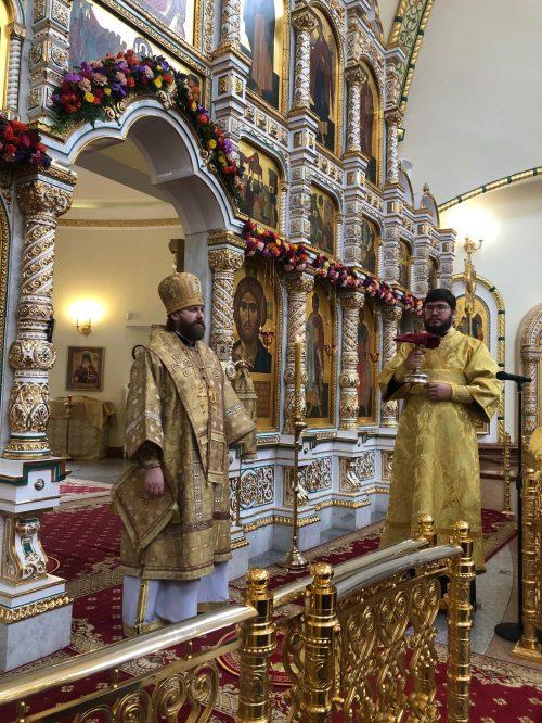 Епископ Фома совершил Божественную литургию в соборном храме благоверного князя Игоря Черниговского в Переделкине