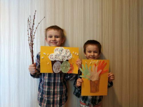 В воскресной школе храма Успения Пресвятой Богородицы в Матвеевском состоялся конкурс детских поделок онлайн.