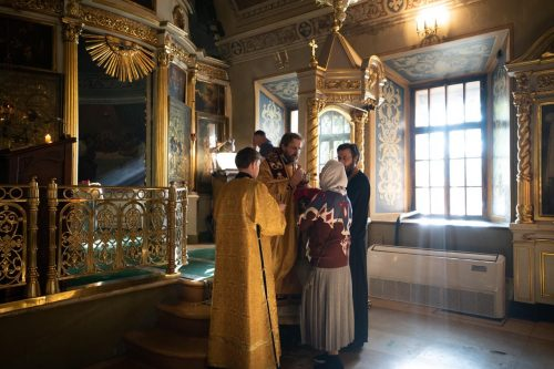 Епископ Павлово-Посадский Фома совершил Божественную литургию в храме святителя Николая Чудотворца в Хамовниках
