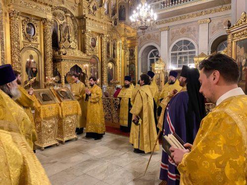 Епископ Павлово-Посадский Фома в Богоявленском соборе отслужил молебен на начало года