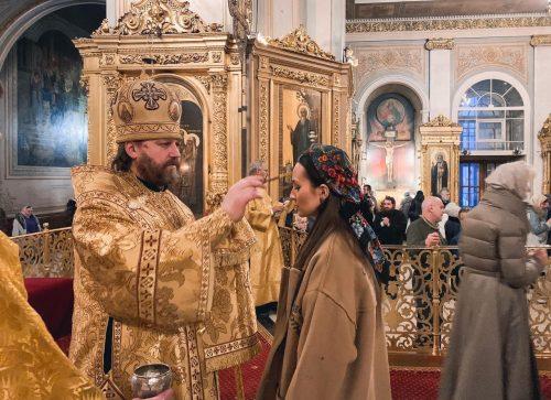 Всенощное бдение в Богоявленском кафедральном соборе совершил епископ Павлово-Посадский Фома