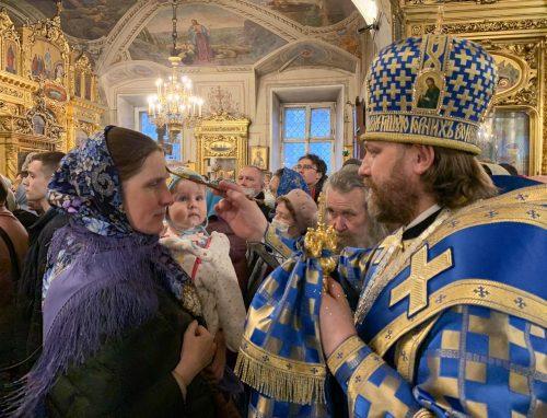 В канун праздника Благовещения епископ Павлово-Посадский Фома совершил всенощное бдение в Богоявленском соборе
