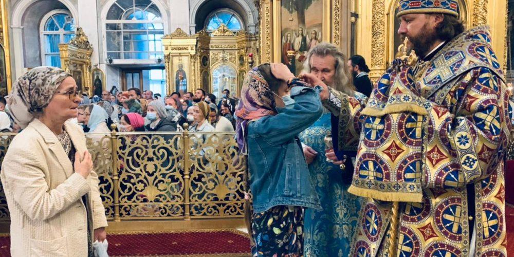 Всенощное бдение в Богоявленском соборе в канун праздника Успения Пресвятой Богородицы возглавил владыка Фома