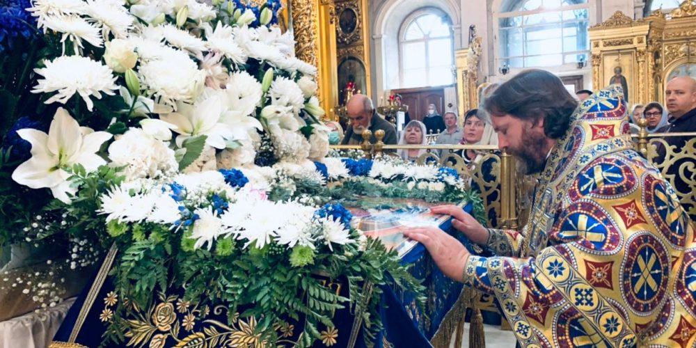 В праздник Успения Пресвятой Богородицы епископ Фома совершил Литургию в Богоявленском соборе