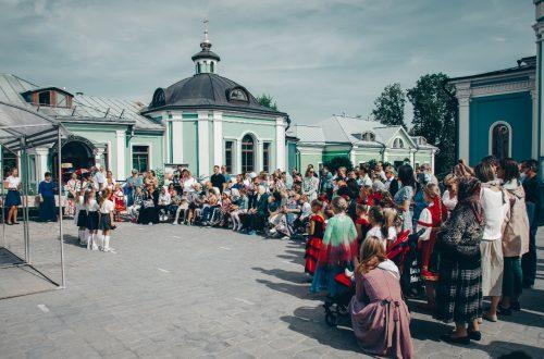 В храме Рождества Богородицы в Крылатском состоялся детский праздник «День знаний»
