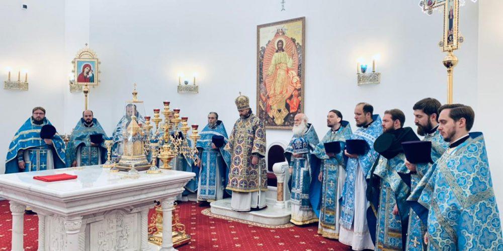 Епископ Одинцовский и Красногорский совершил Литургию в Никольском соборе Красногорска