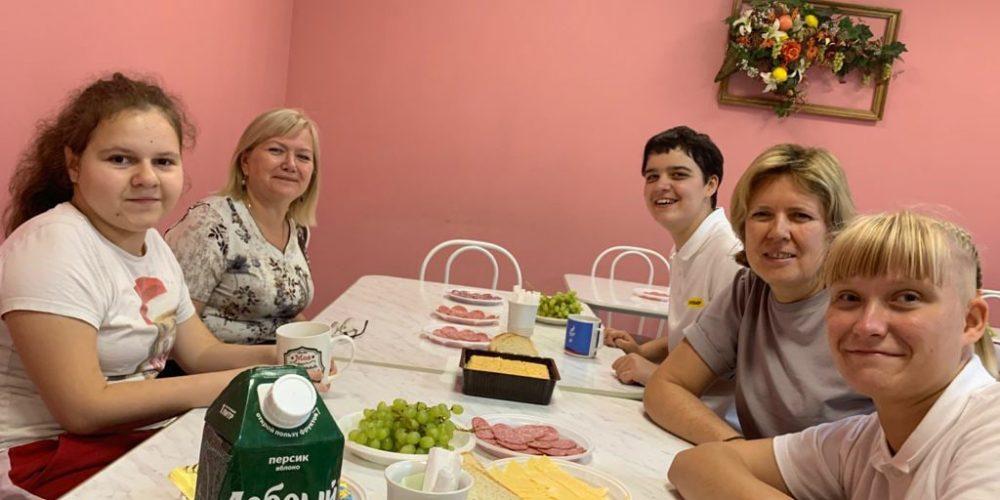 Прихожане храма свт. Александра Невского посетили воспитанников Дмитровского детского дома