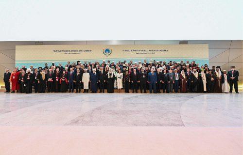 Епископ Фома сопровождает Святейшего Патриарха в ходе визита в Азербайджан на саммит религиозных лидеров