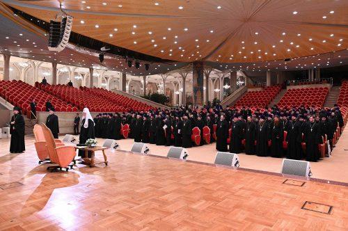 Епископ Фома принял участие в памятной встрече Святейшего Патриарха Кирилла с рукоположенными им священнослужителями