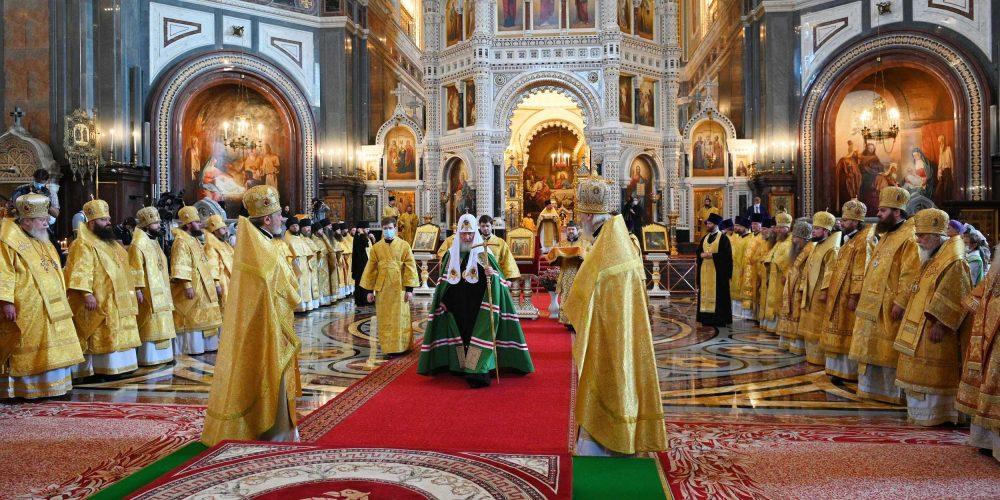 В день памяти равноапостольного князя Владимира епископ Фома сослужил Святейшему Патриарху в Храме Христа Спасителя