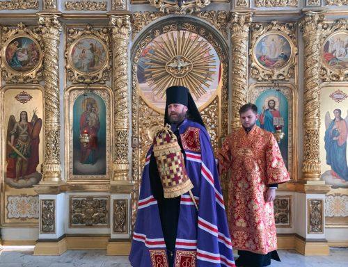 Епископ Павлово-Посадский Фома совершил Литургию в престольный праздник в храме великомученика Никиты