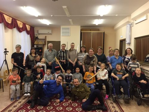 Казаки из храма Андрея Рублева посетили детей с особенностями развития из ГБОУ КРОЦ «Раменки»