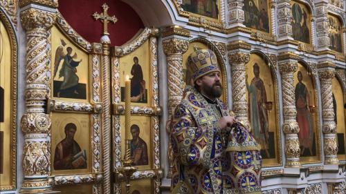 В праздник Иверской иконы Божией Матери епископ Фома возглавил богослужение в соборном храме в Переделкине