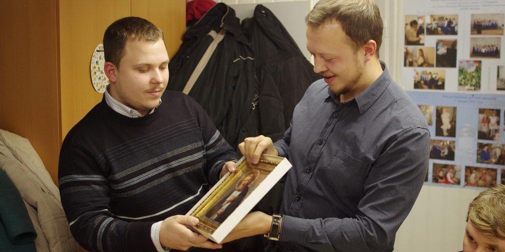 11 ноября 2012 года состоялась встреча молодёжи храма Благовещения с ребятами из молодёжного клуба «Серафимовцы», который действует при храме Преподобного Серафима Саровского в Кунцеве