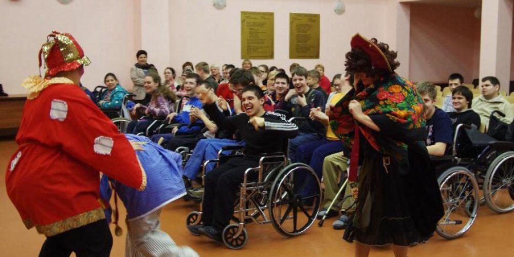 Социальная служба Храма провела праздник посвящённый предстоящей Масленице в школе-интернат №44