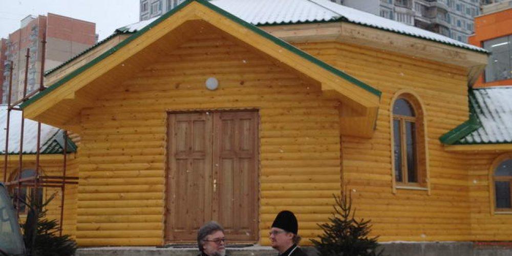 Преосвященнейший владыка Игнатий  совершил очередной объезд строящихся храмов  расположенных в районе «Крылатское»