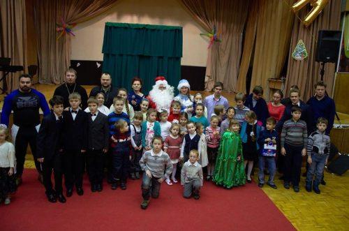 Приходской Рождественский праздник в храме прп. Серафима Саровского в Кунцеве