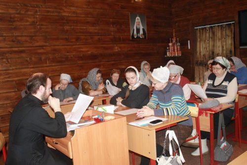 Занятия церковнославянским языком в храме Святителя Спиридона Тримифунтского в Фили-Давыдково